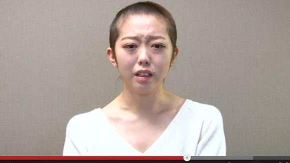125084-minami-minegishi-akb48-shaved-head
